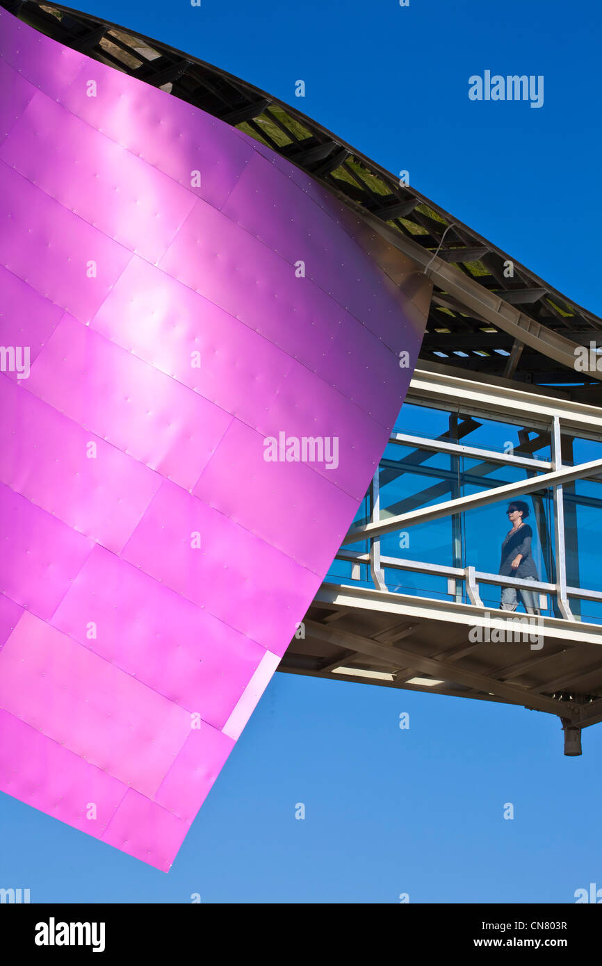 Spain, Spanish Basque Country, Alava Province, Rioja Alavesa, Elciego, Hotel Marques de Riscal designed by architect - Stock Image
