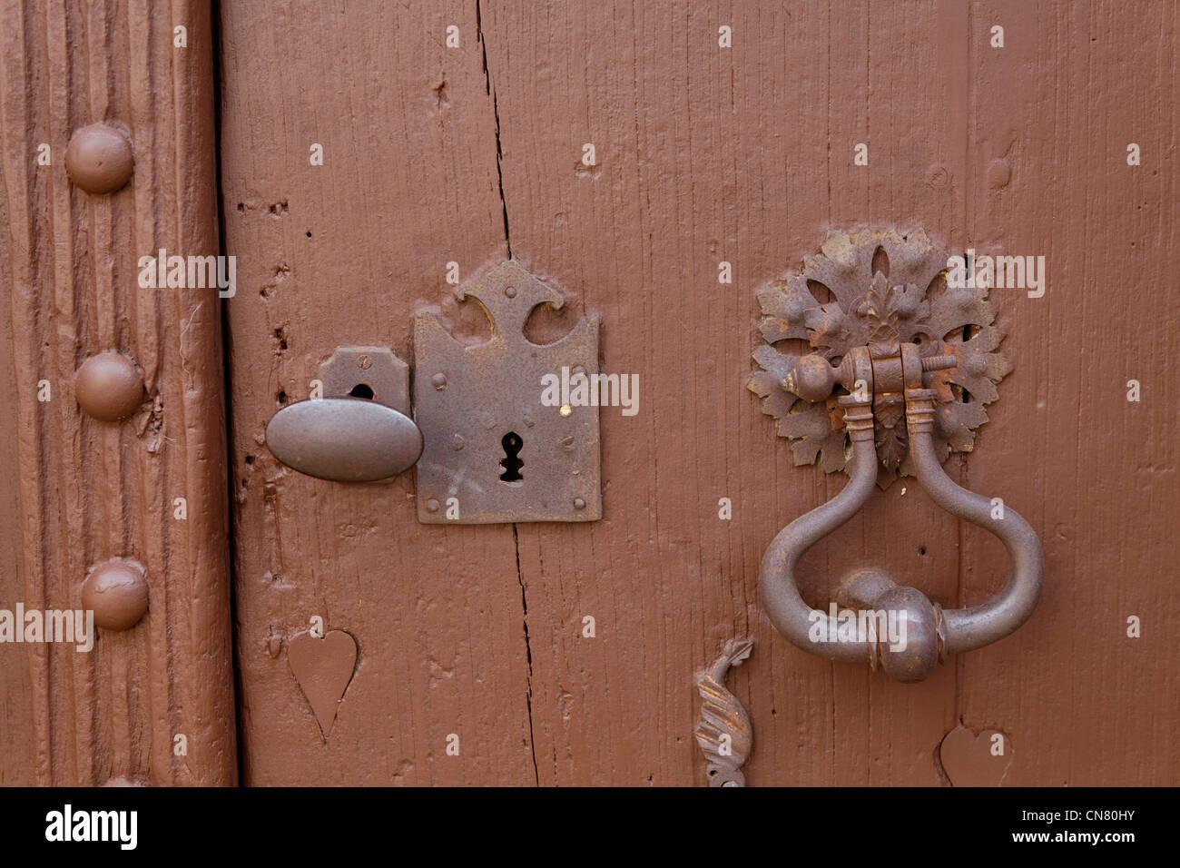 France, Puy de Dome, Vic le Comte, old door - Stock Image