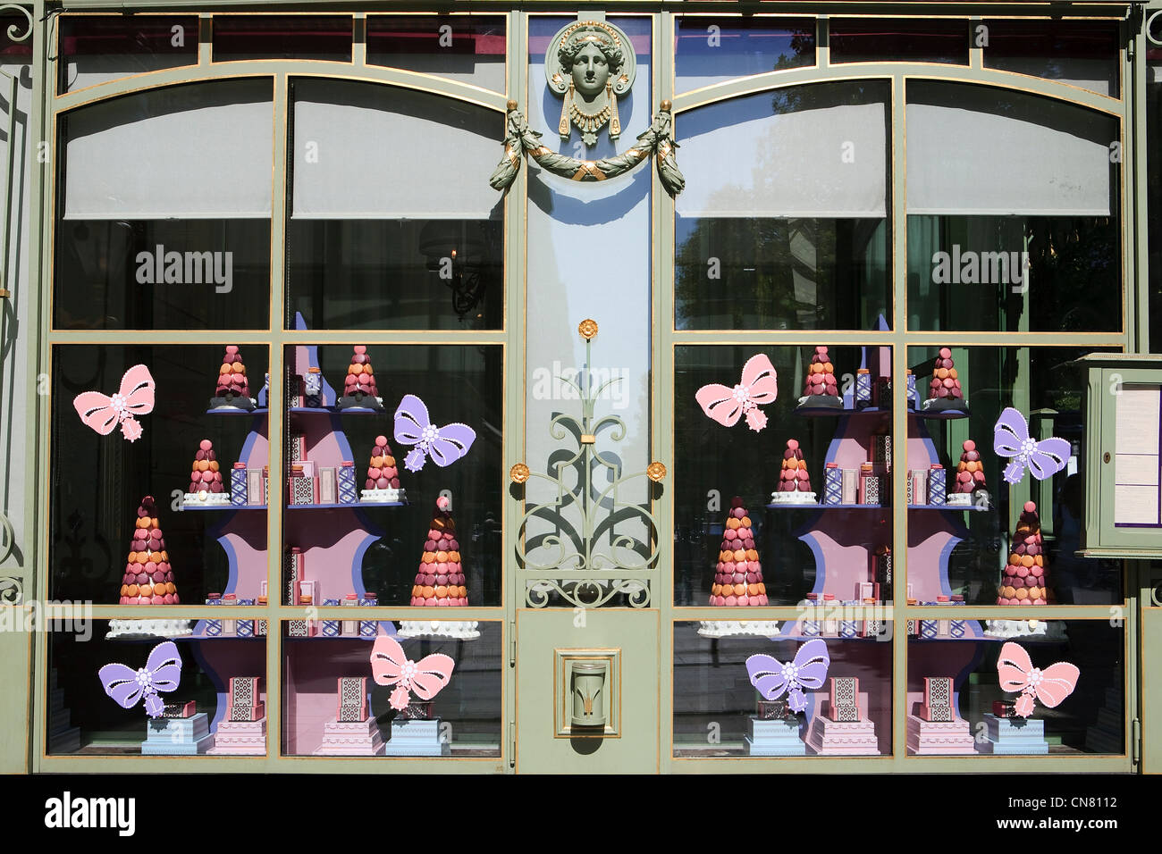 France, Paris, shop window of Laduree tea house on Avenue des Champs Elysees - Stock Image