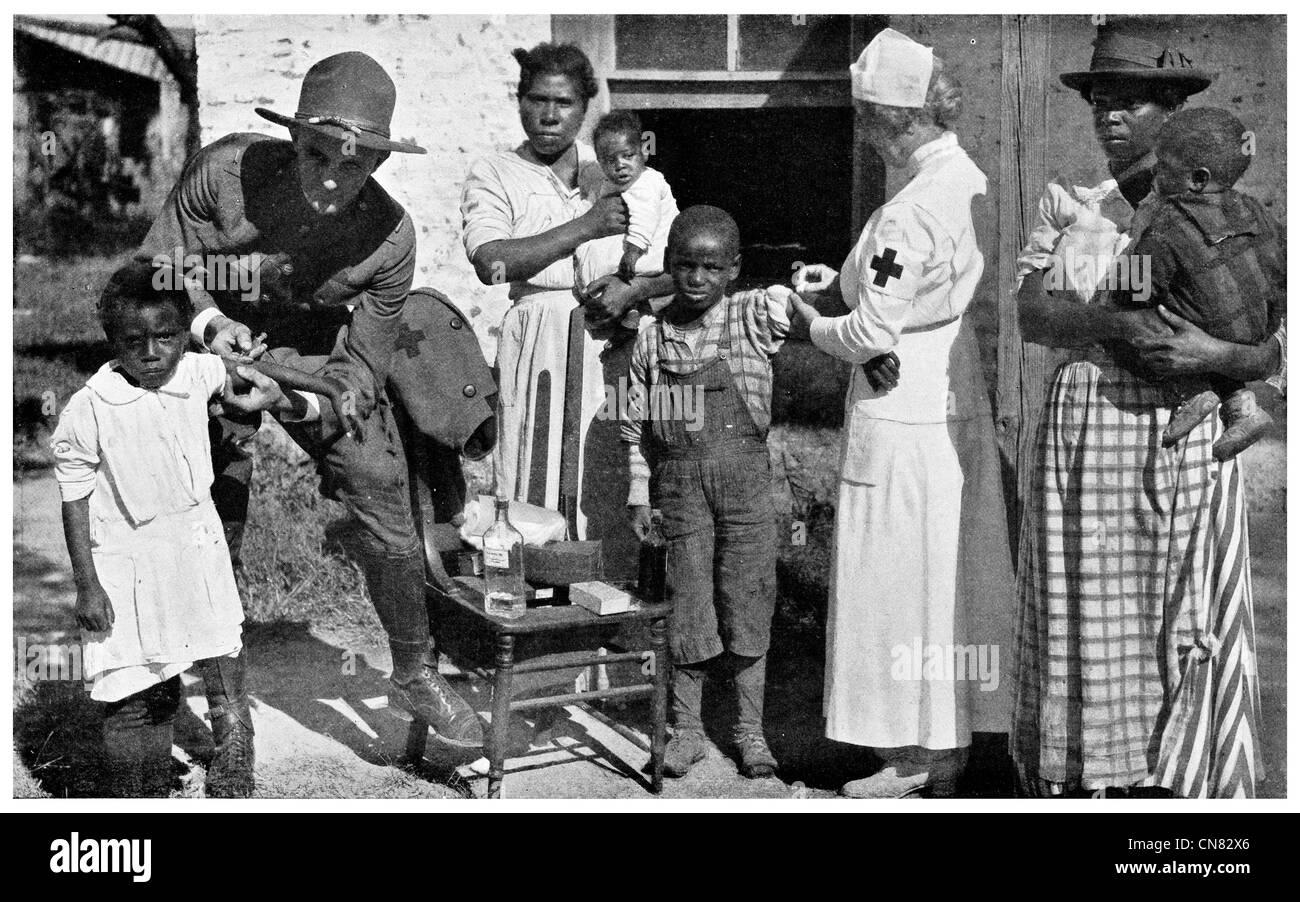1917 Anti Typhoid inoculation Public Health Service Red Cross - Stock Image