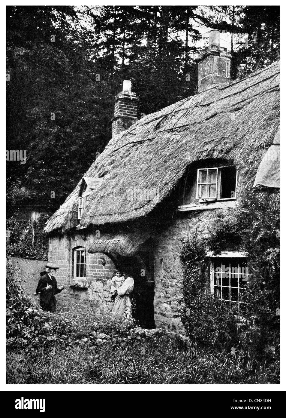 First published 1917 Fish Cottage Thatch Roof Blockley Worcestershire - Stock Image