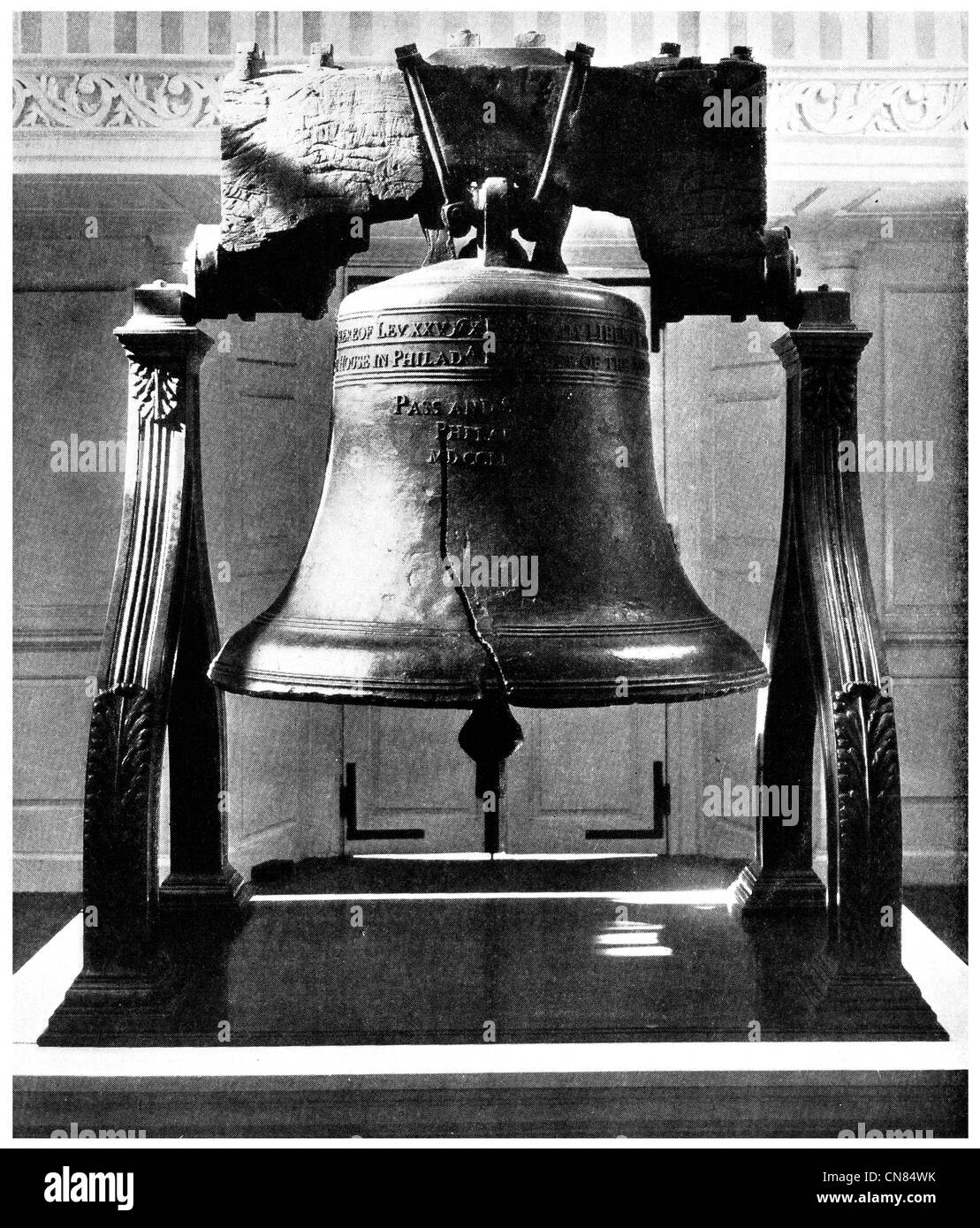 First published 1917 Liberty Bell Independence Hall National Park, Philadelphia, Pennsylvania, USA - Stock Image