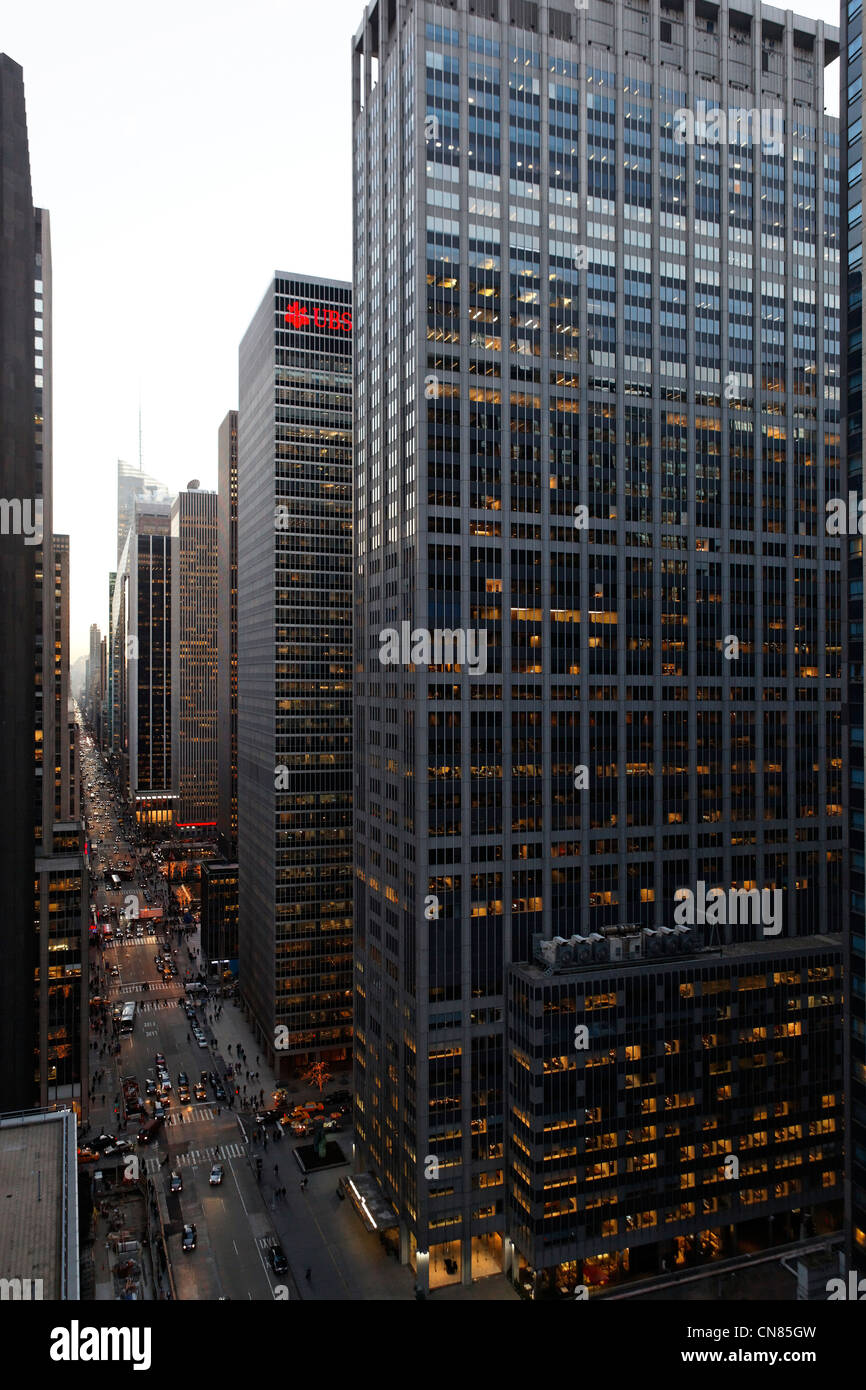 United States, New York City, Manhattan, Midtown, perspective on the 6th Avenue from a terrace of the 54th street - Stock Image