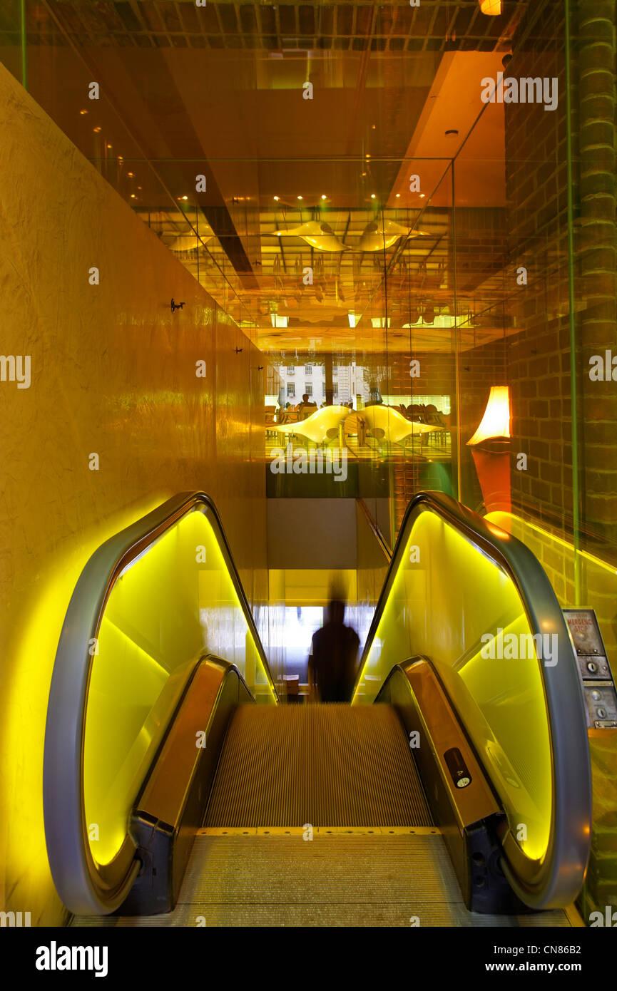 United States, New York City, Manhattan, hôtel Hudson, escalator, 356 West 58th Street - Stock Image