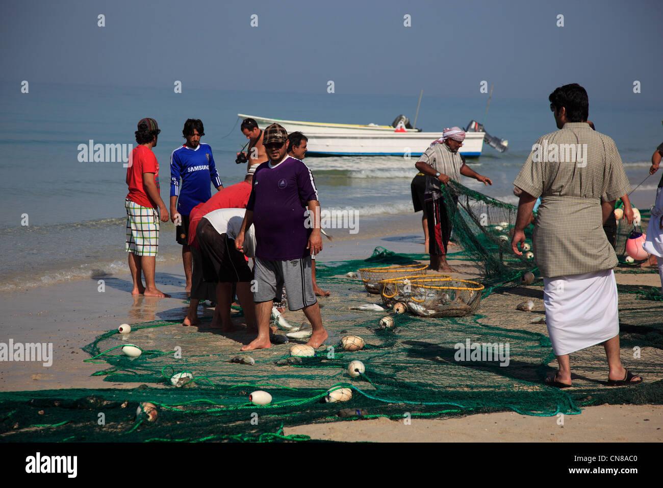 Fischer am arabischen Golf, bei Tibat, in der omanischen Enklave Musandam, Oman Stock Photo