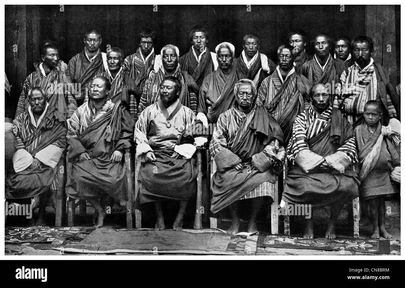 First published 1914  Sir Ugyen and council Poonakha Jongpen Thimbu Zung Donyer Deb Zimpon Ugen Dorji Bhutan king - Stock Image