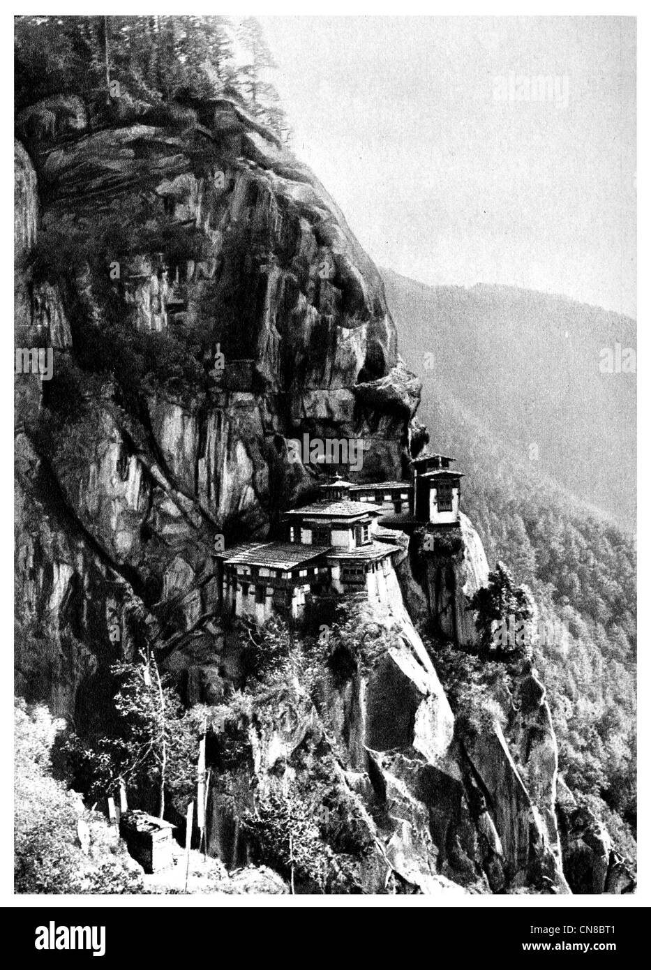 First published 1914 Paro tatsang monastery cliff bhutan tigers nest - Stock Image