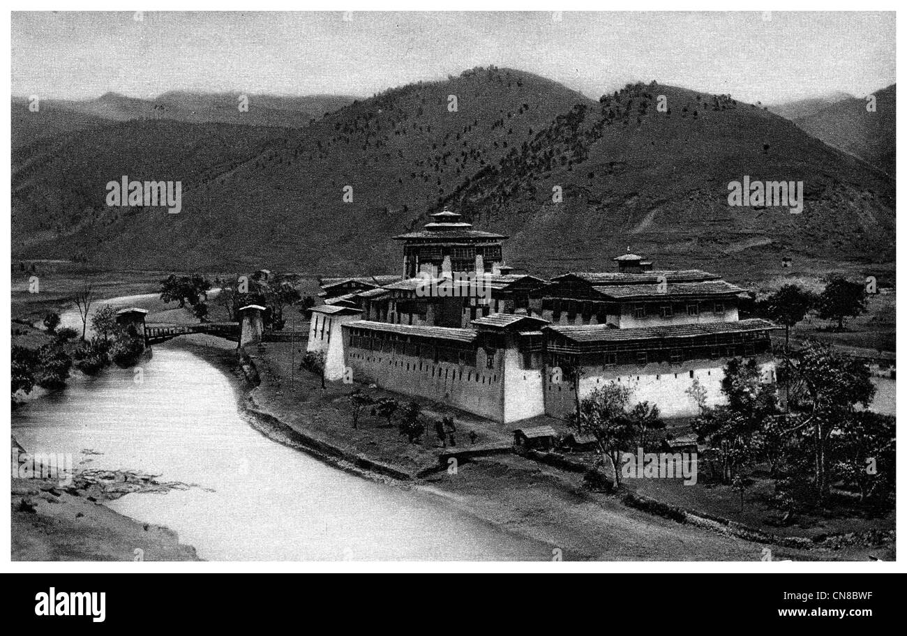 First published 1914 Punakha Jong dzong fortress castle winter palace - Stock Image