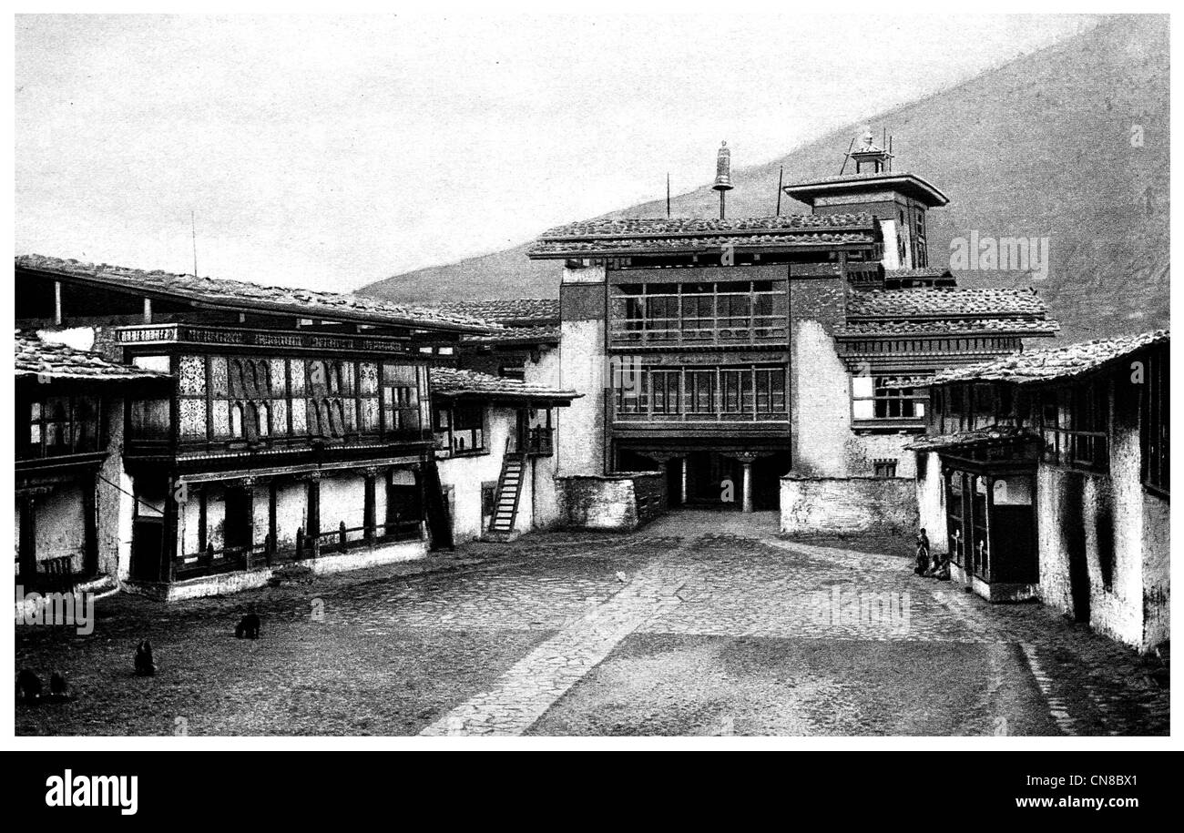 First published 1914 Angdu Pho Dong Castle Bhutan stronghold - Stock Image