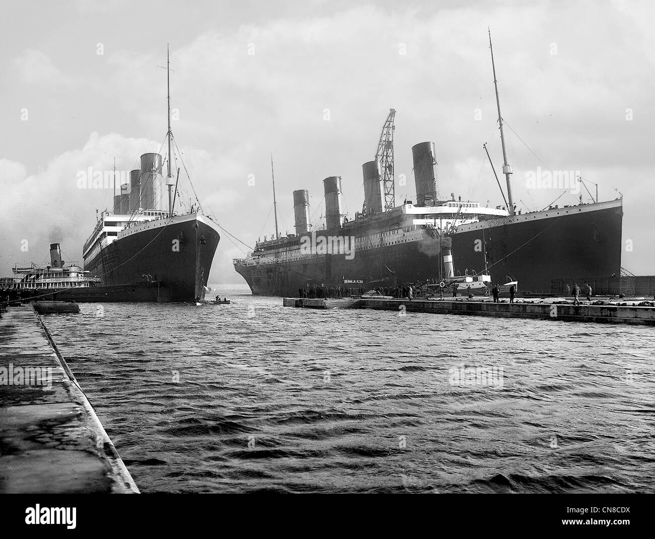Titanic (right) and her sister ship Olympic - Stock Image
