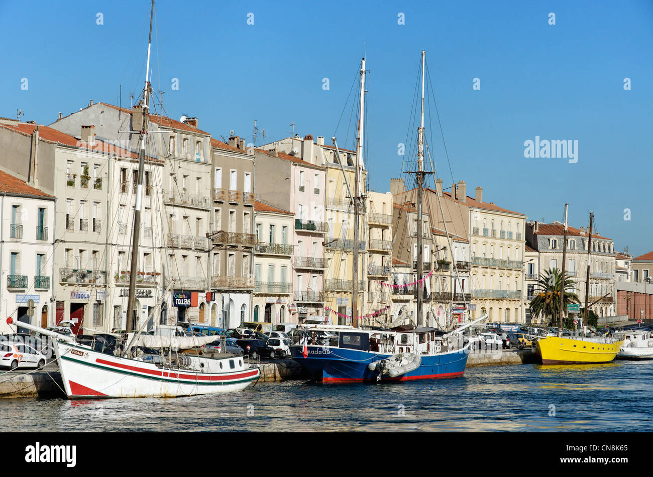 France, Herault, Sete, Lateral channel, two-masted tall ships on the dock of the Republic - Stock Image