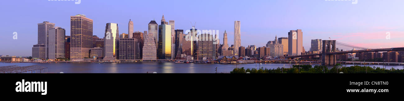 Wide angle panorama of new york city at the Financial District - Stock Image