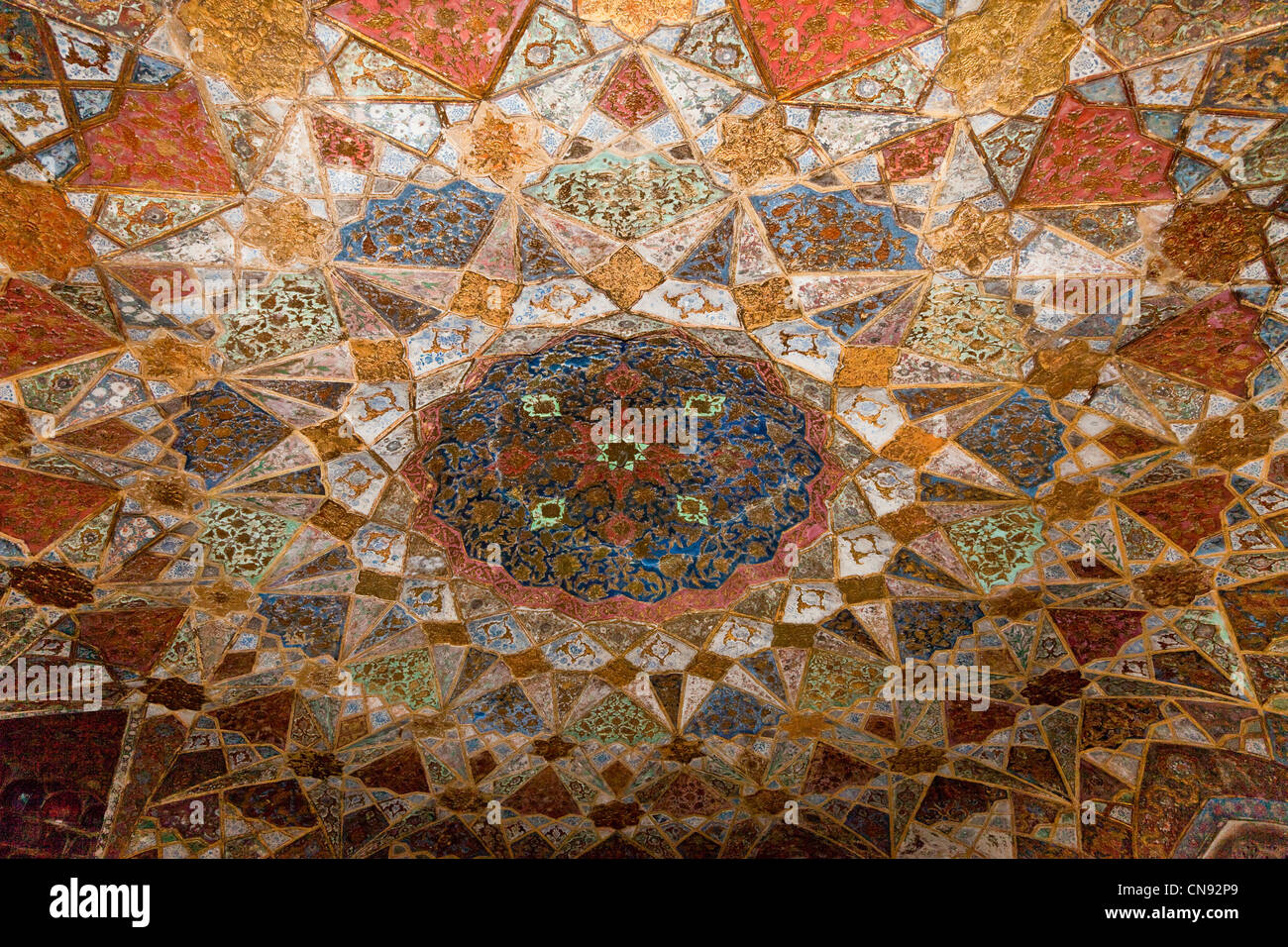 Agra, India. Ceiling Design, Interior of the Itimad-ud-Dawlah, Mausoleum of Mirza Ghiyas Beg. Stock Photo