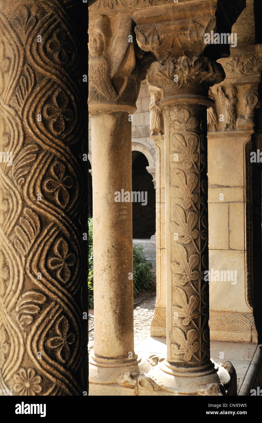 France, Pyrenees Orientales, Elne, ecclesiastical capital of Roussillon from 568 to 1602, Romanesque cloister built - Stock Image