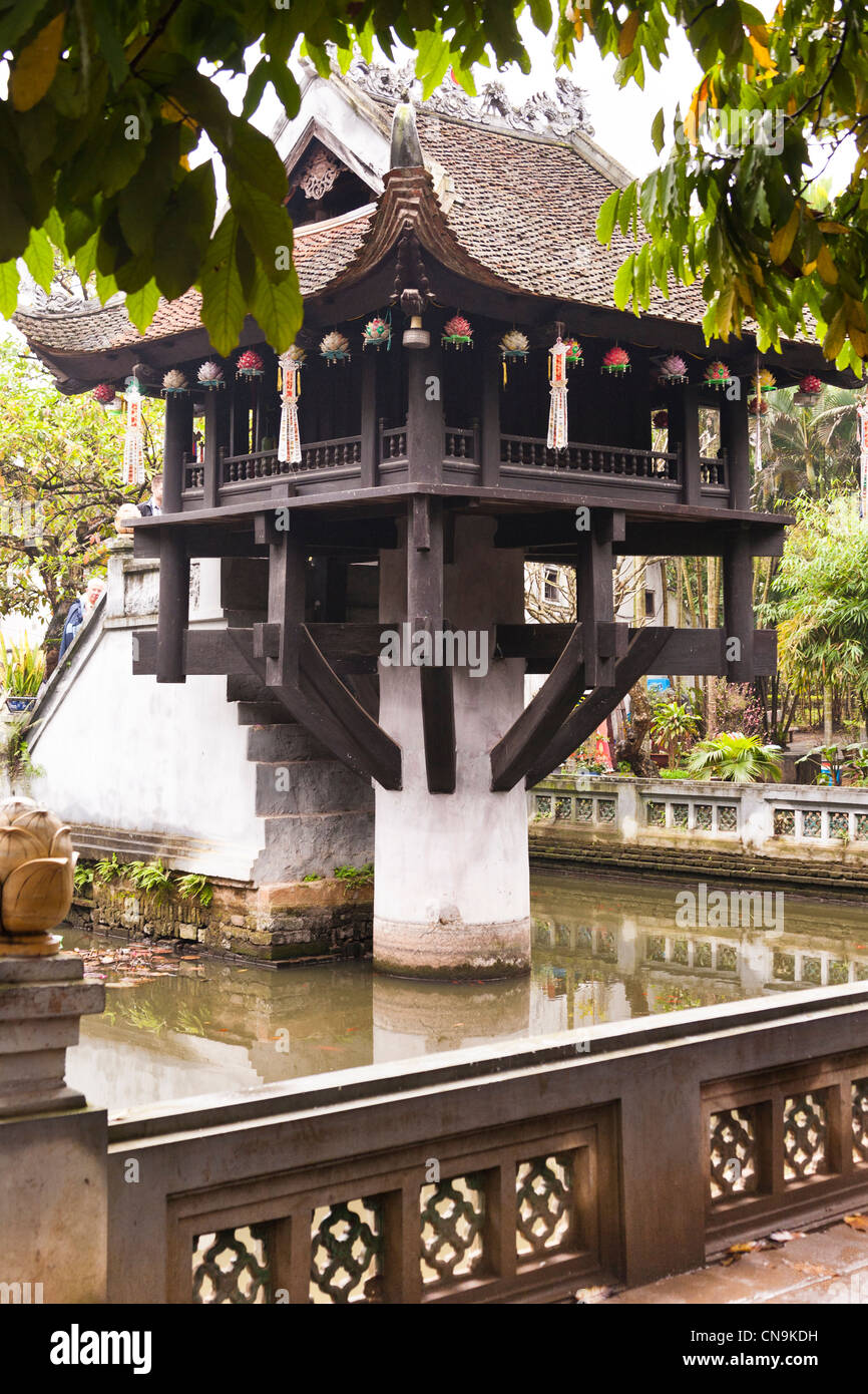 The one pillar pagoda, Chua Mot Cot, in Presidential Palace complex, Hanoi, Vietnam - Stock Image