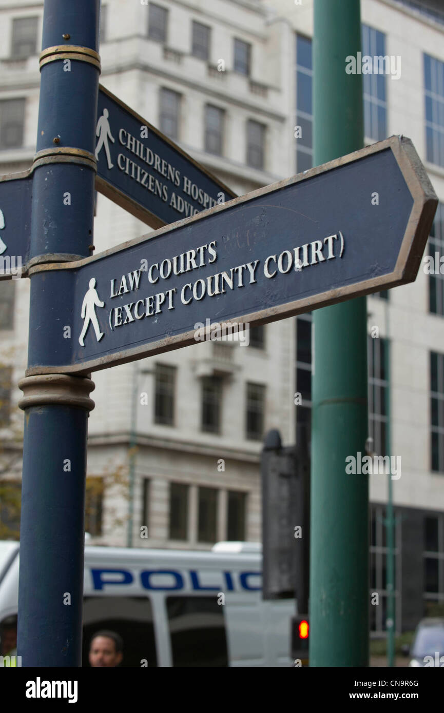 Public street signs to Birmingham Law courts - Stock Image