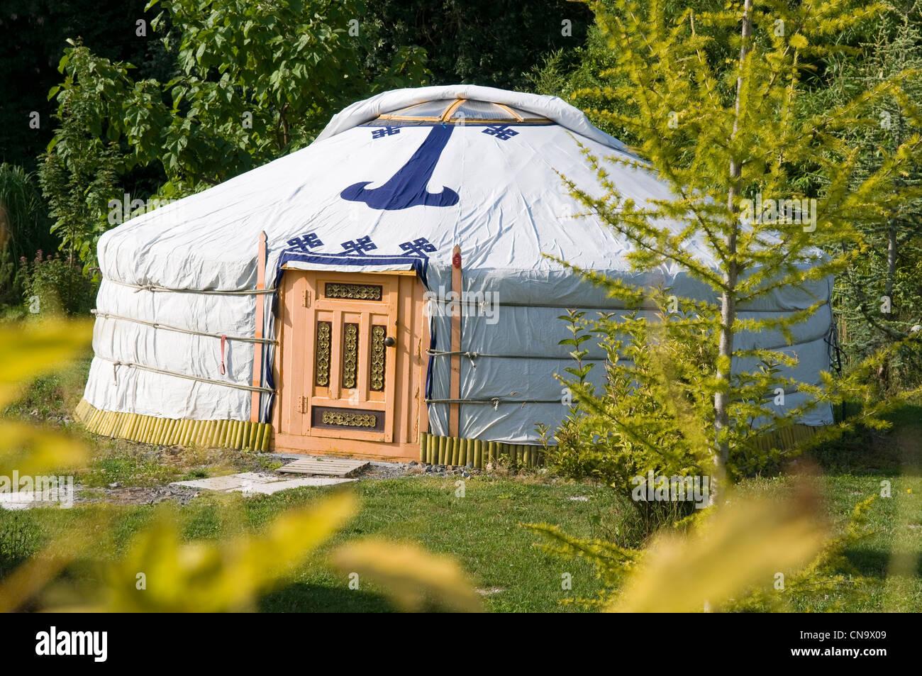 Yurt stock photos yurt stock images alamy for Mandukhai houdilcourt