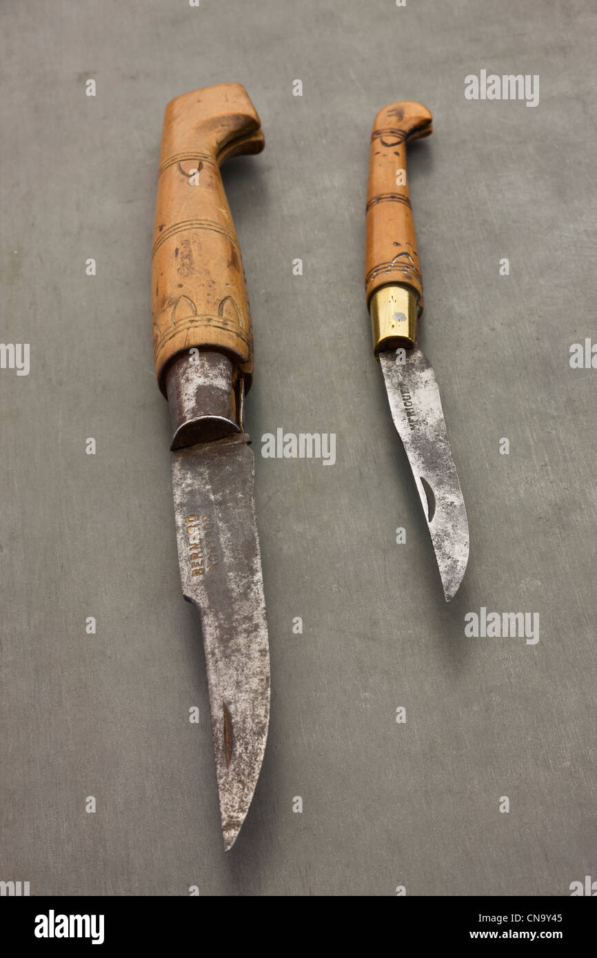 France, Dordogne, Green Perigord, Nontron, Old knives in Cutlery Nontron Nontron, Its handle is boxwood pyrographed - Stock Image