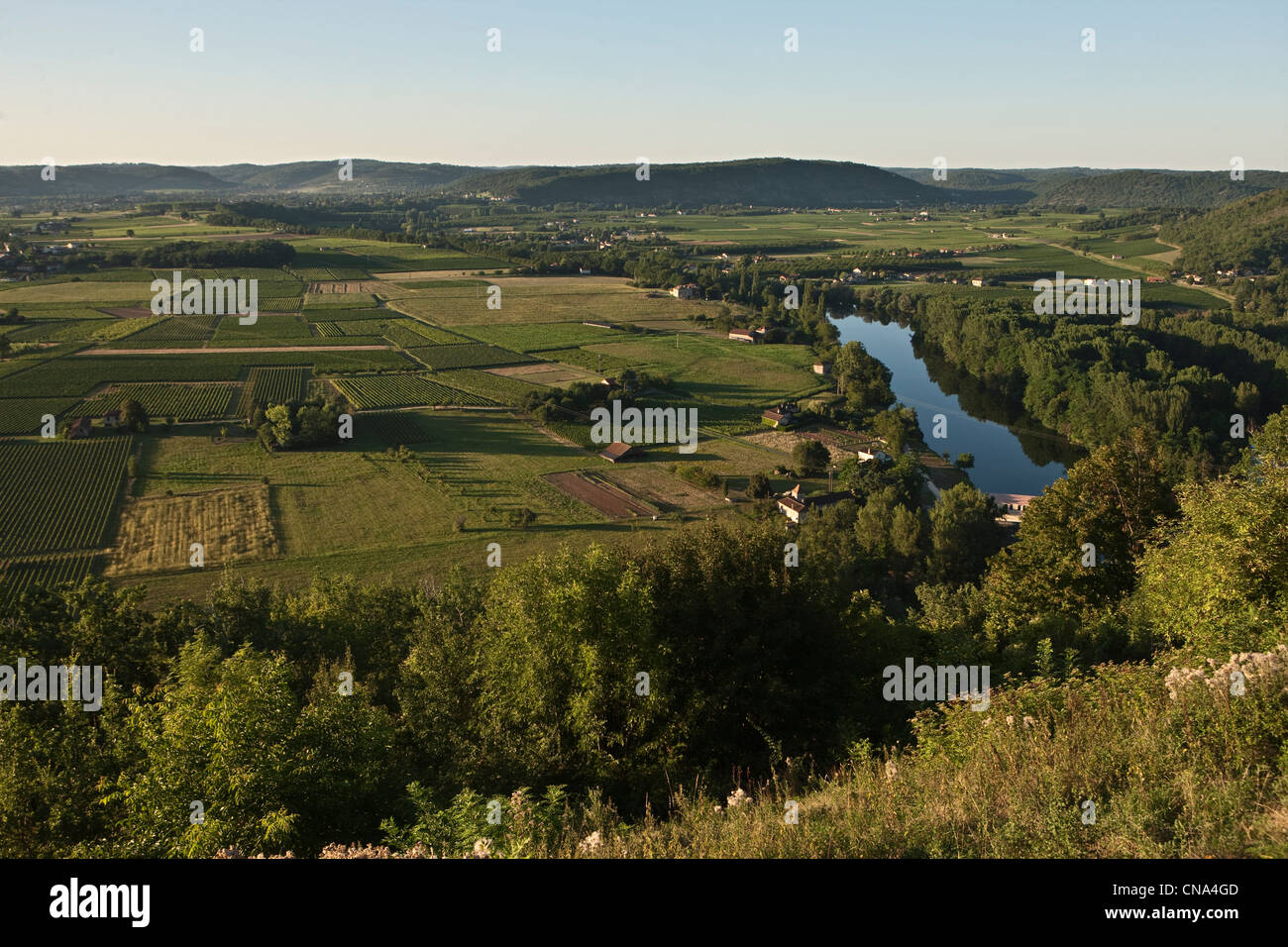 France, Lot, Belay, view over a bend in the Lot Valley in the AOC Cahors - Stock Image
