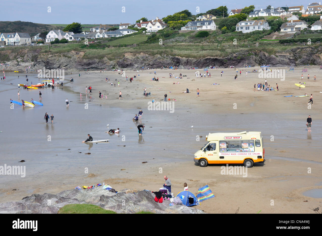 Cornwall - Hayle Bay - summer beach scene - slow day for ice cream sales - Stock Image