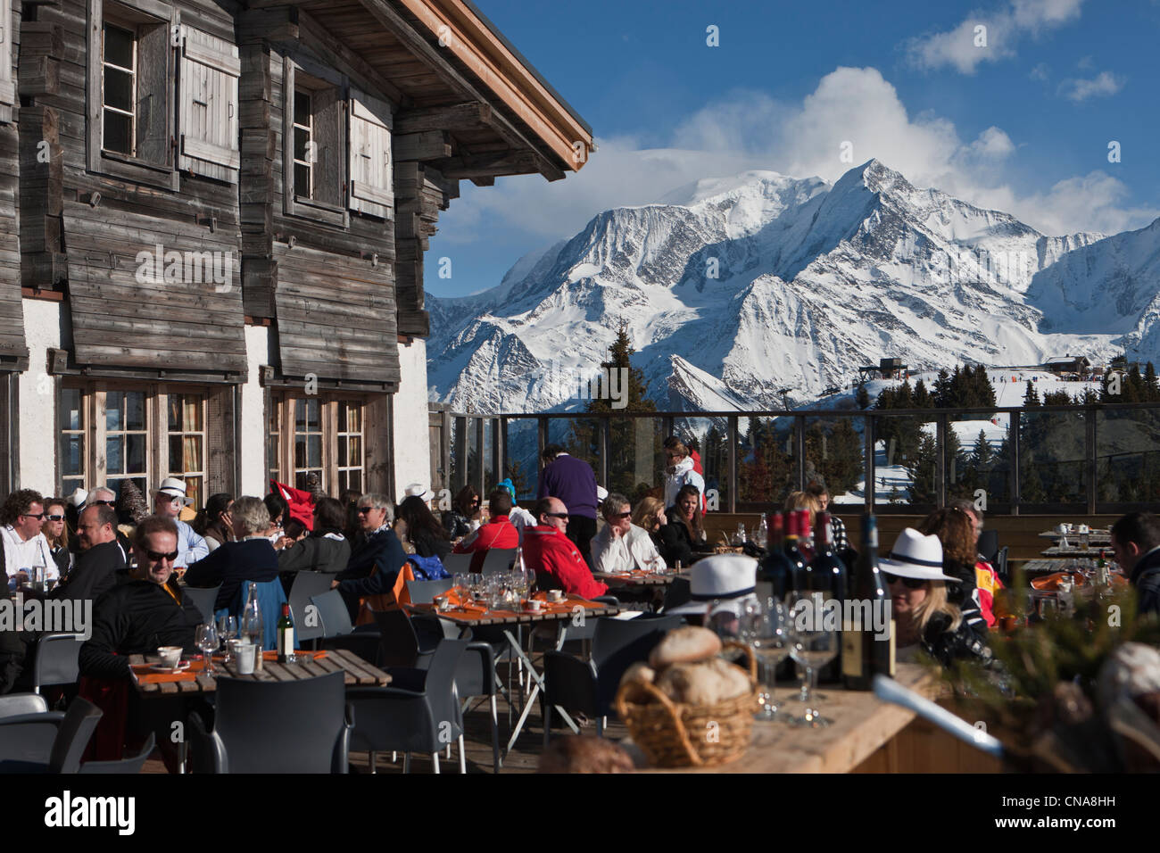 France, Haute Savoie, Megeve, the Chalet Terrace altitude, 1850 The Ideal restaurant at the top of Mont d'Arbois - Stock Image