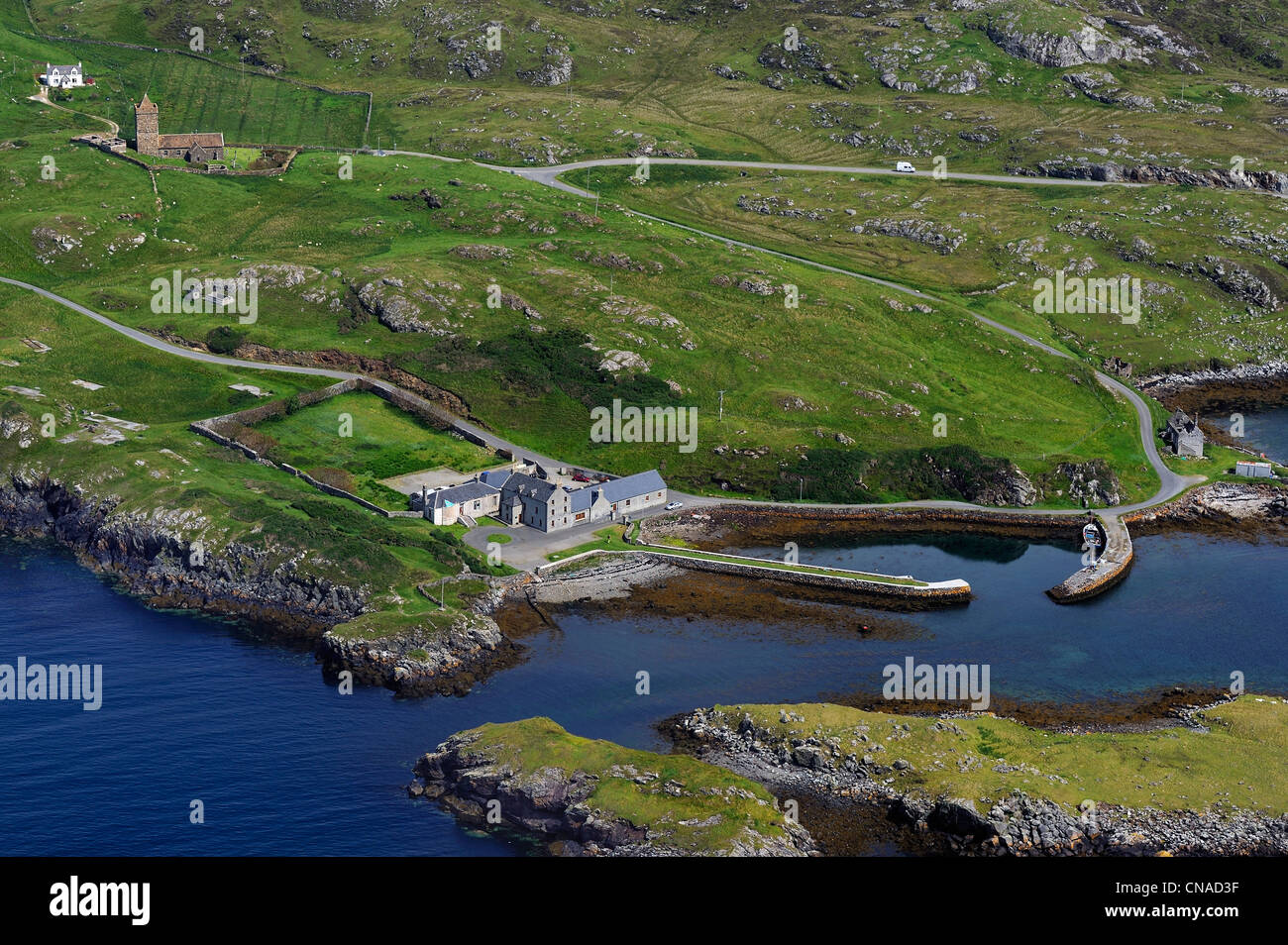 United Kingdom, Scotland, Outer Hebrides, Lewis and Harris Island, South Harris, Rodel, medieval church and small - Stock Image