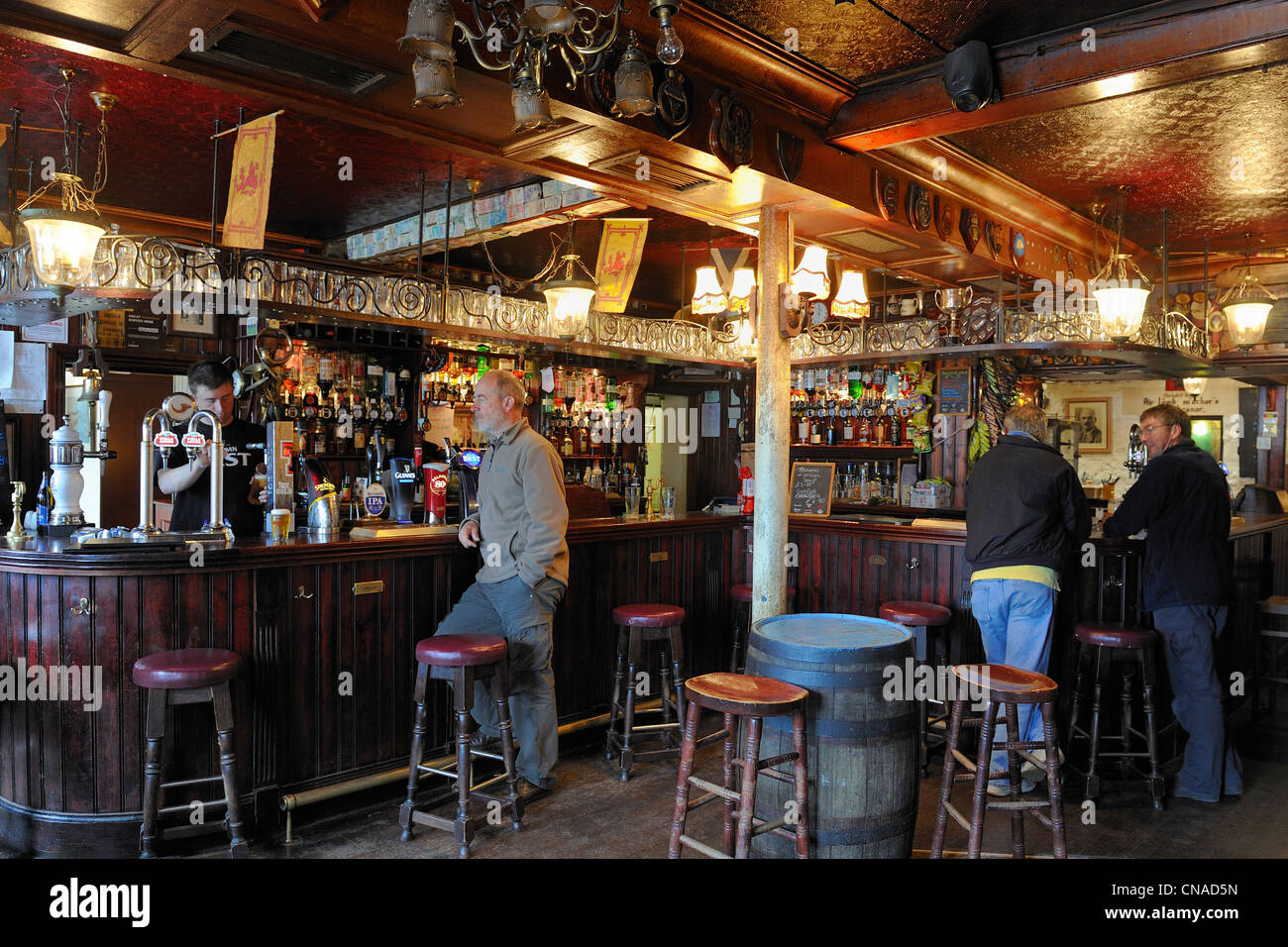 United Kingdom, Scotland, Highland, Inner Hebrides, Isle of Mull, Tobermory, the Mishnish hotel and pub - Stock Image