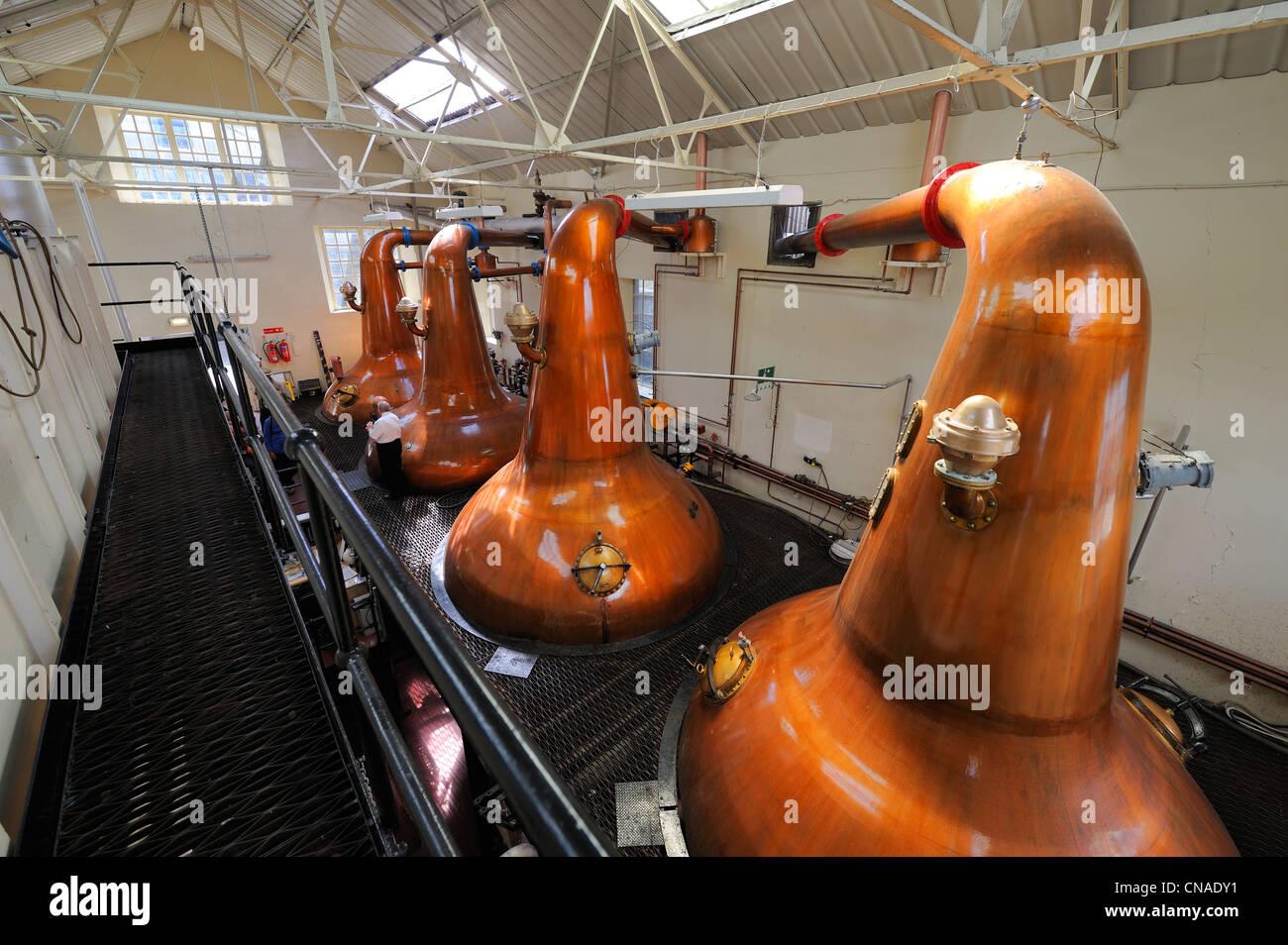 United Kingdom, Scotland, Orkney Islands, Kirkwall, Highland Park whisky distillery, Wash distillation in Pot Stills - Stock Image