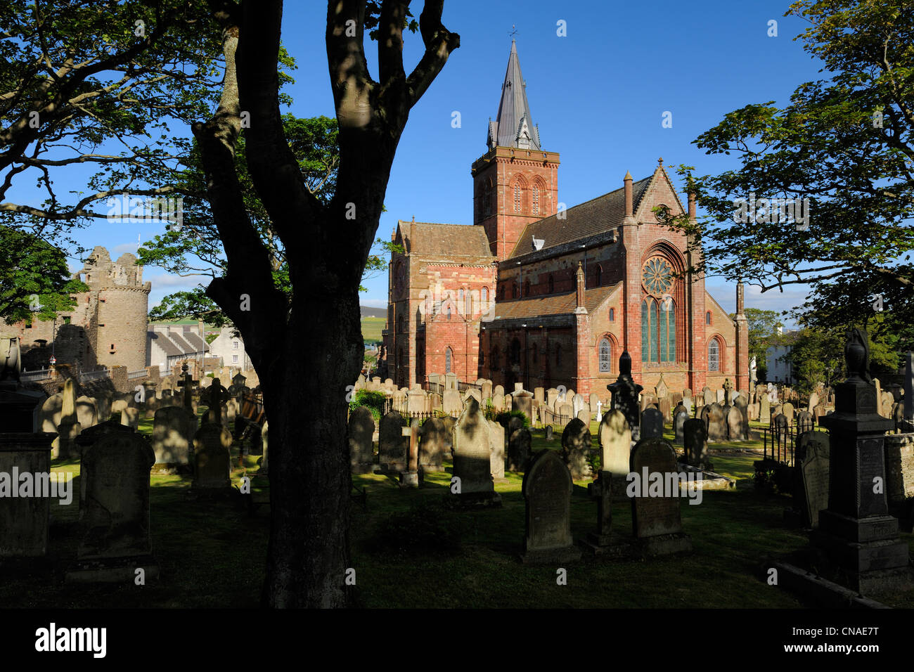 United Kingdom, Scotland, Orkney Islands, Mainland, town of Kirkwall, Saint-Magnus cathedral - Stock Image