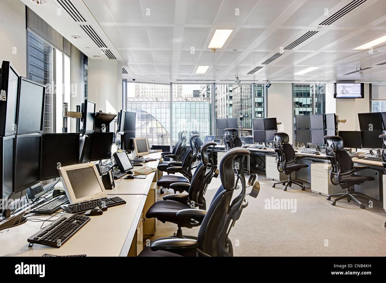 trading desks city London Canary Wharf office bank - Stock Image