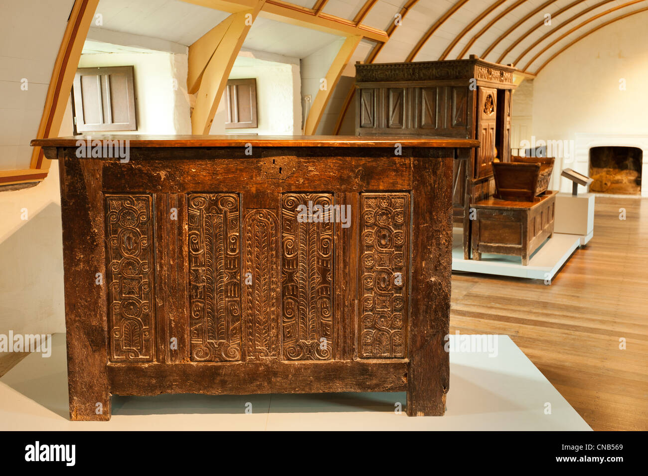 France, Finistere, Saint Vougay, antique furniture in Kerjean Castle - Stock Image