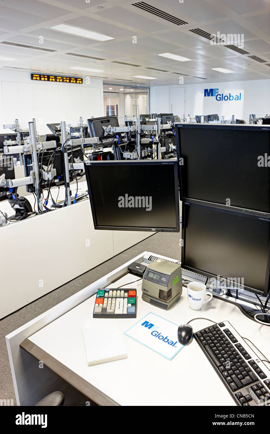 Closed trading floor bankrupt company - Stock Image