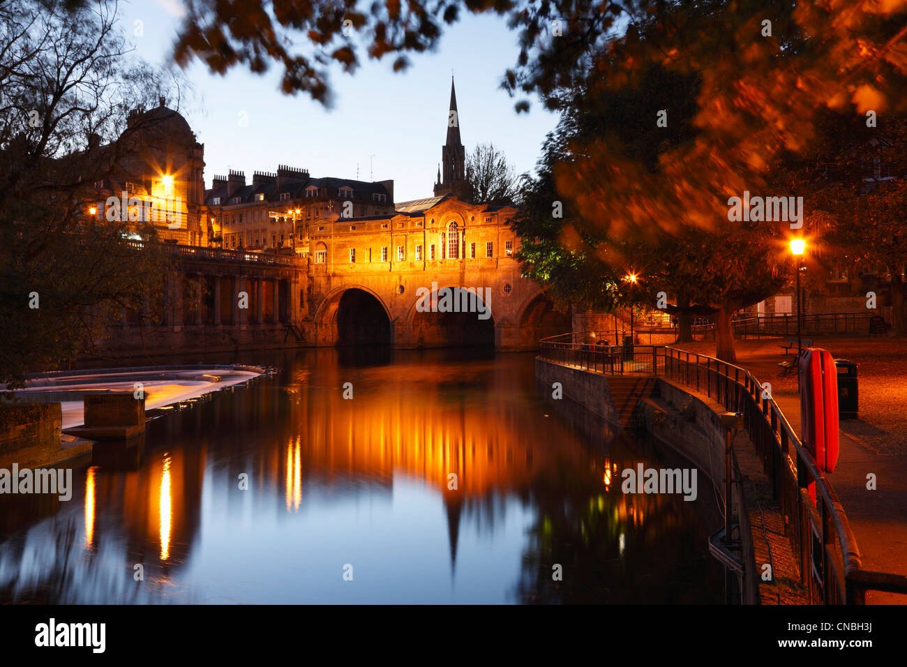 Pulteney Bridge Illuminated at Dusk. Bath. Somerset. England. UK. - Stock Image