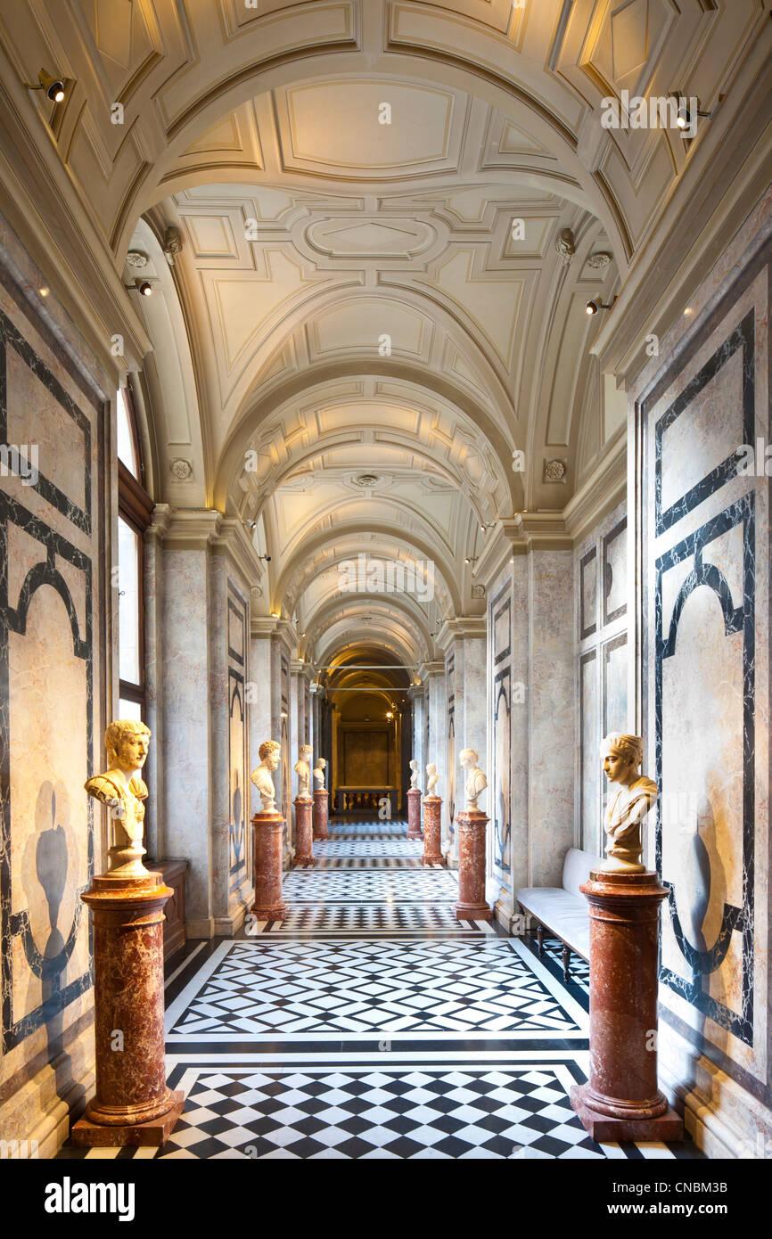 The Ring Vienna S Casual Luxury Hotel Vienna: Kunsthistorisches Museum Vienna Stock Photos