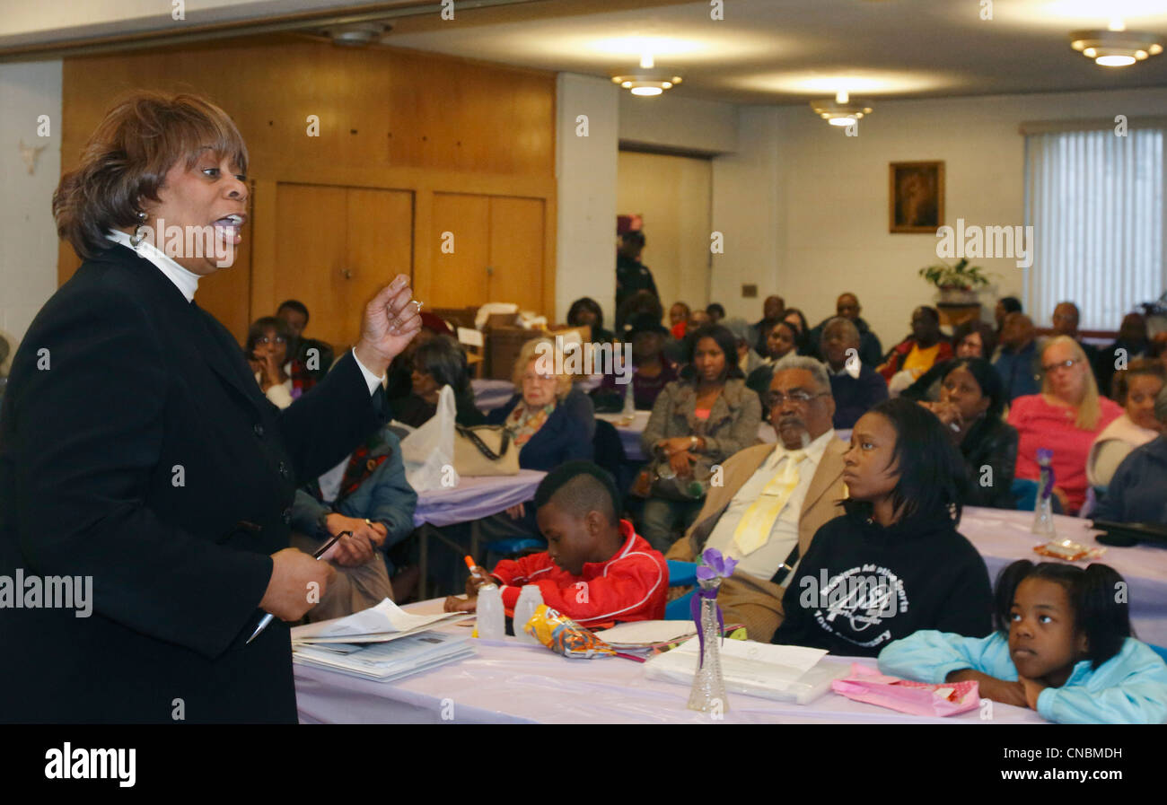 Michigan State Representative Alberta Tinsley-Talabi speaks at a meeting of the Morningside community organization - Stock Image