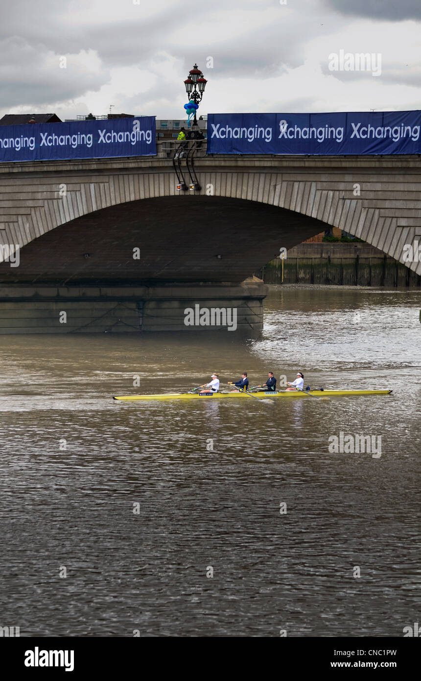 The 158th Xchanging Oxford vs Cambridge Boat Race - London 07 Apr 2012 - Stock Image