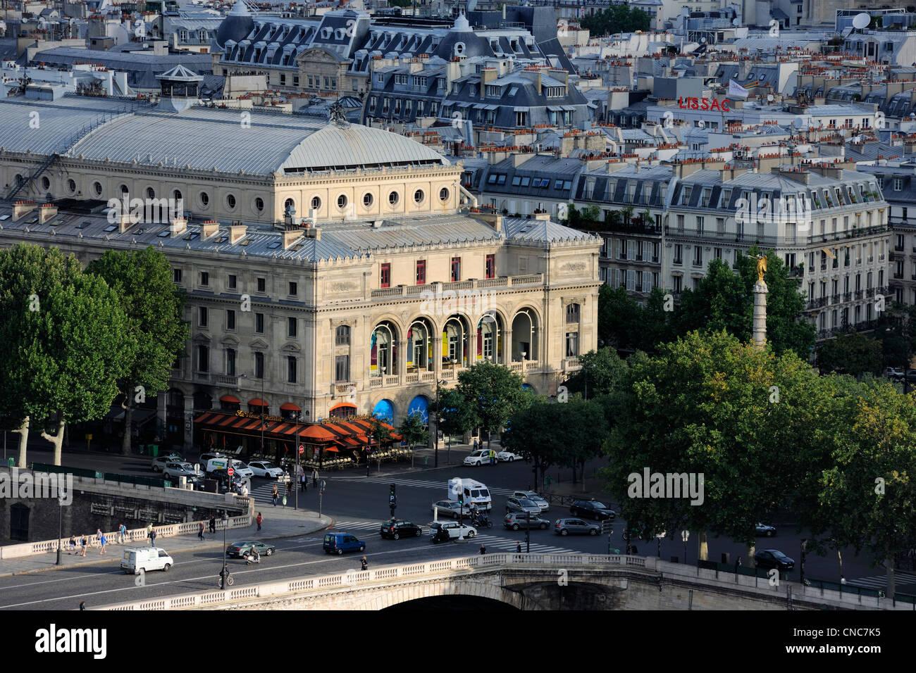France, Paris, Pont au Change and the theatre du Chatelet - Stock Image