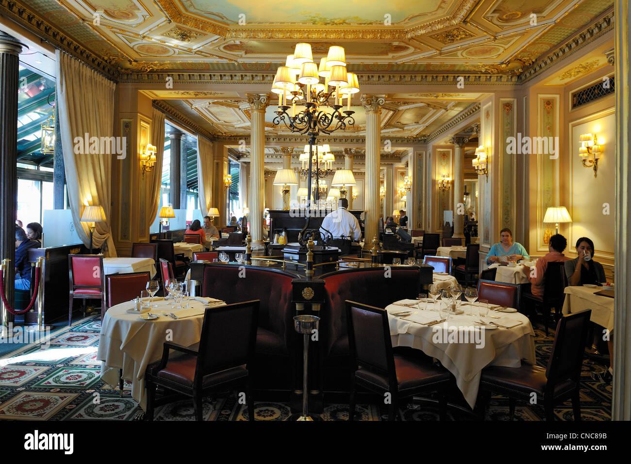 Paris  Cafe De La Paix