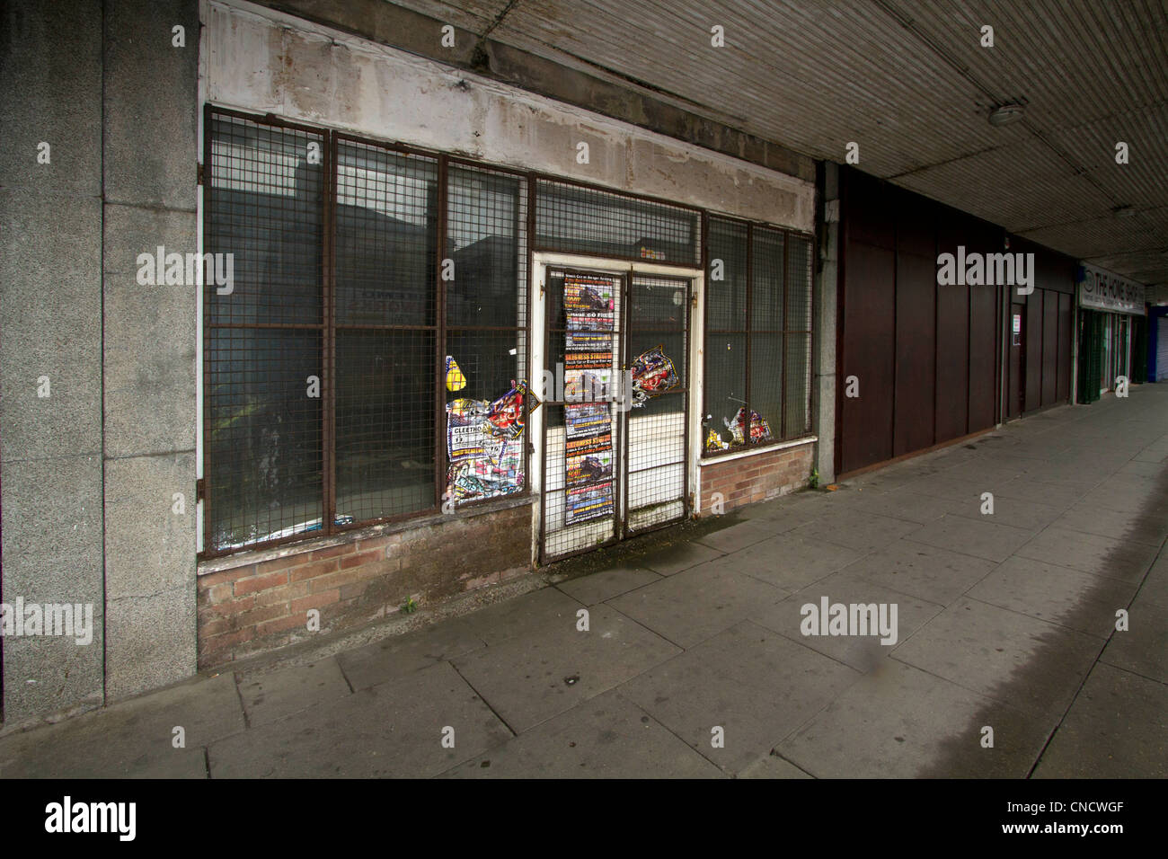 Empty shops in Freeman Street Grimsby, Lincolnshire.  High Street Decline. - Stock Image