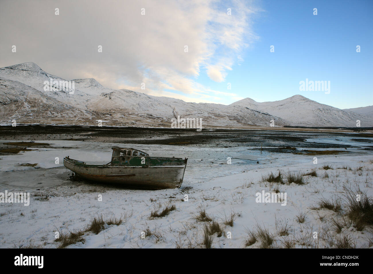 Winter view of Ben More (left) and Loch Scridain on the Isle of Mull in Scotland's Inner Hebrides - Stock Image