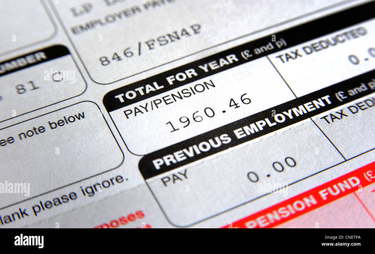 BRITISH COMPANY PENSION SCHEME PAYMENT SLIP SHOWING INCOME AMOUNT RE COMPANY PENSIONS INCOMES WAGES PAY PENSIONERS - Stock Image