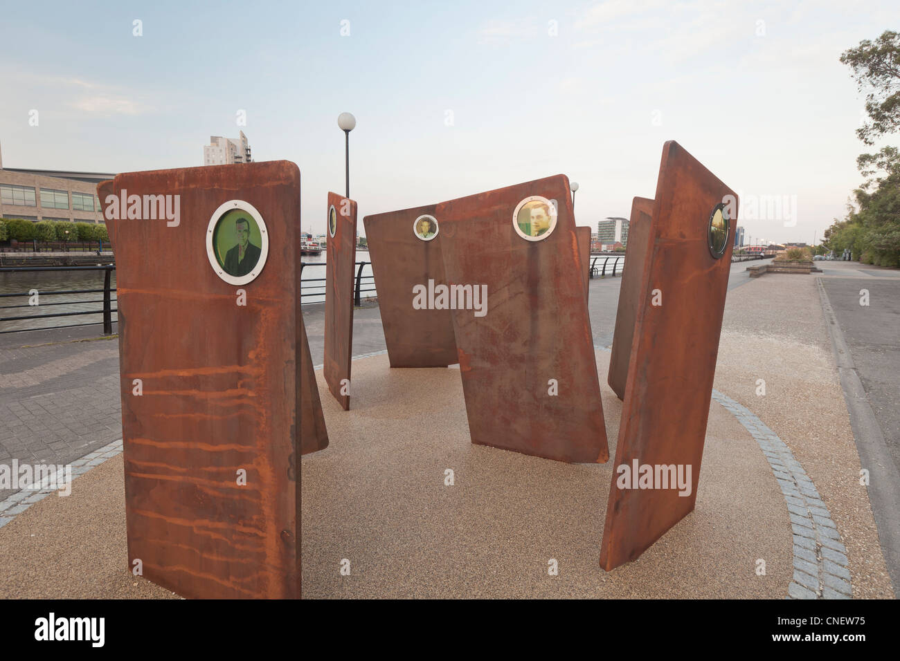 Casuals, a sculpture by Broadbent at Salford Quays, Manchester, England - Stock Image