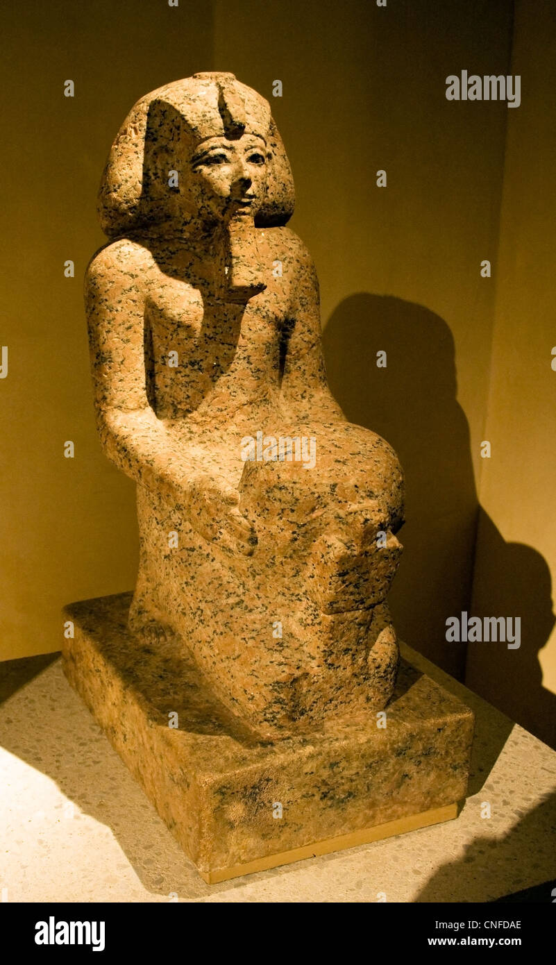 Queen Hatshepsut with cultic vessel, 18. Dynasty, around 1475 before Christ) - Stock Image