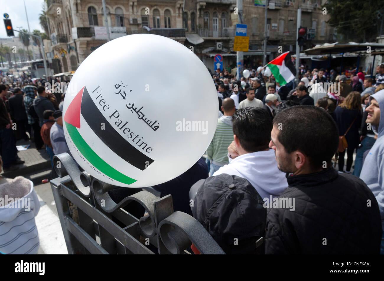 Free Palestine balloon during Land Day protest. Damascus gate. Jerusalem. - Stock Image