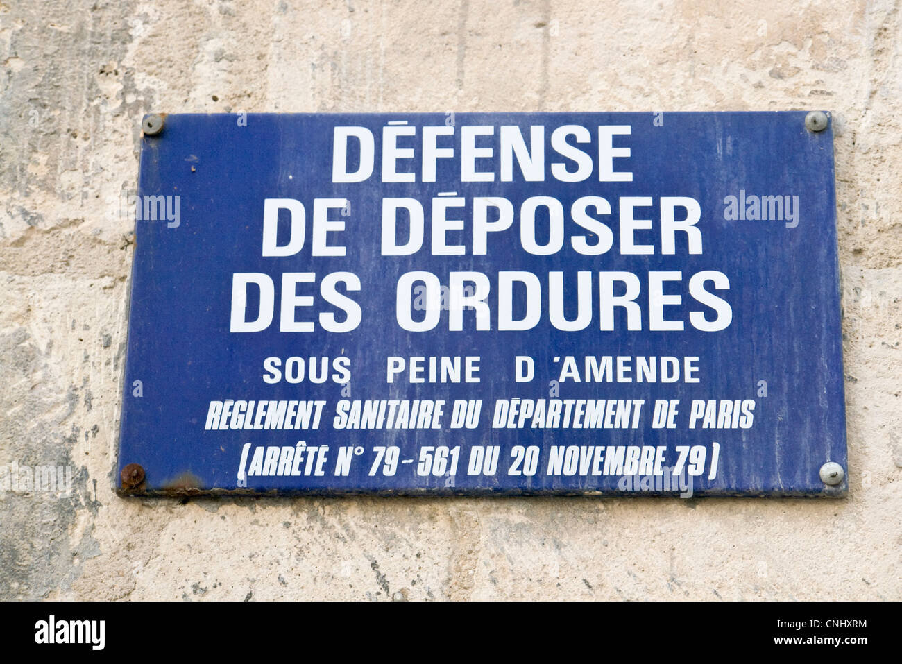 French 'No dumping allowed' sign, Paris, France - Stock Image