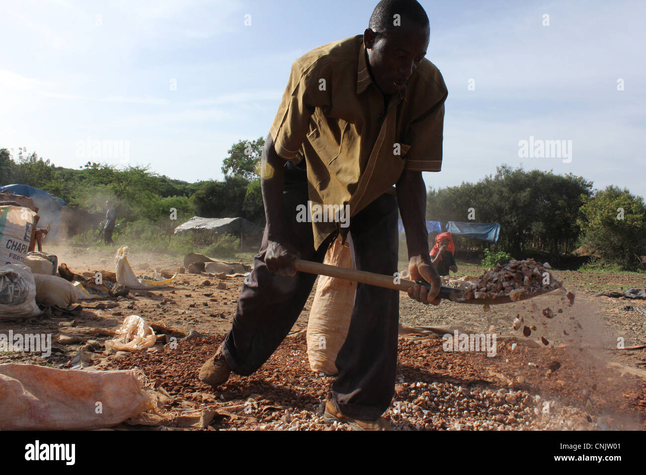 Miners of gold in northern Tanzania - Stock Image