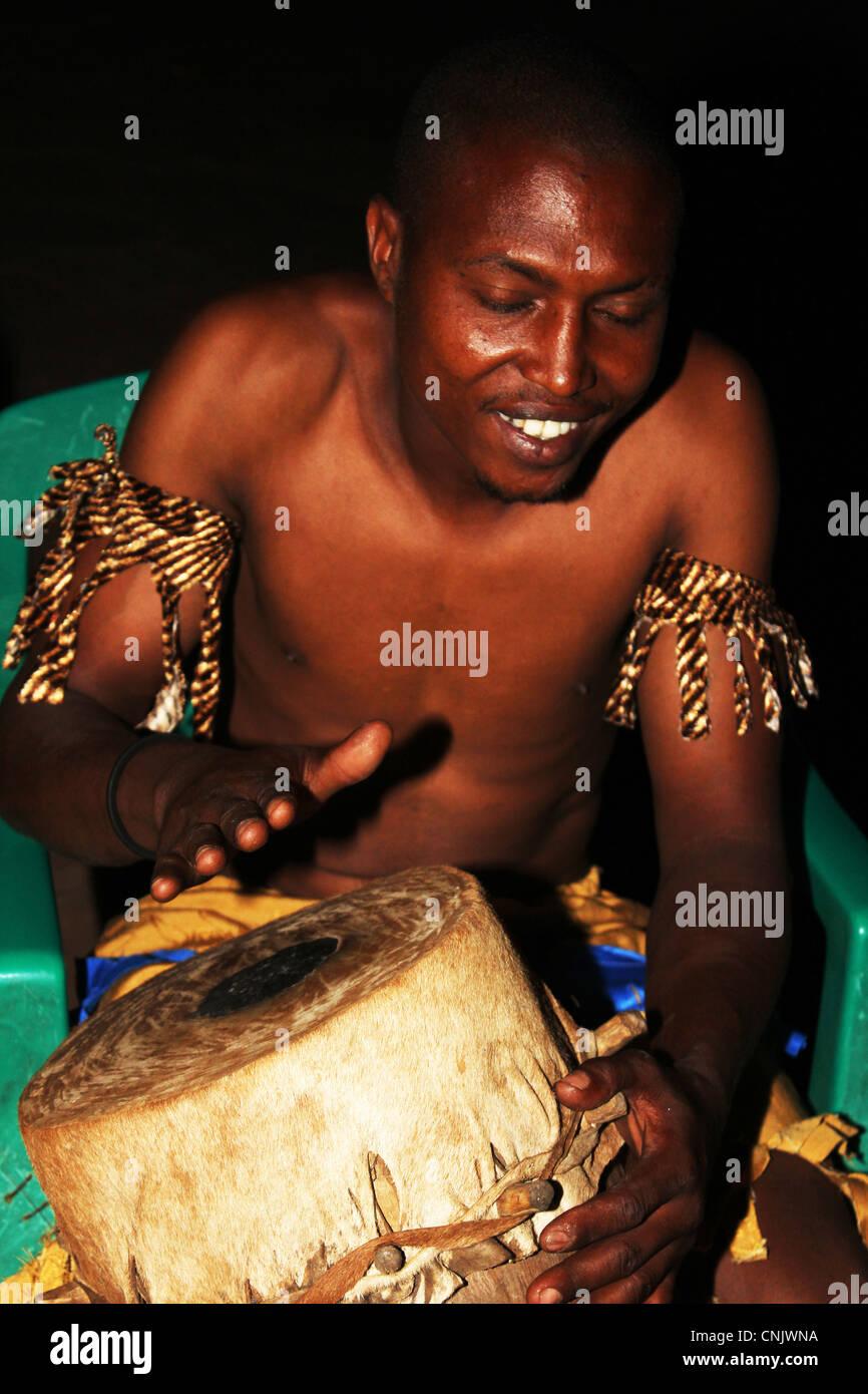 Drummer, Mto Wa Mbu, Manyara, Tanzania - Stock Image