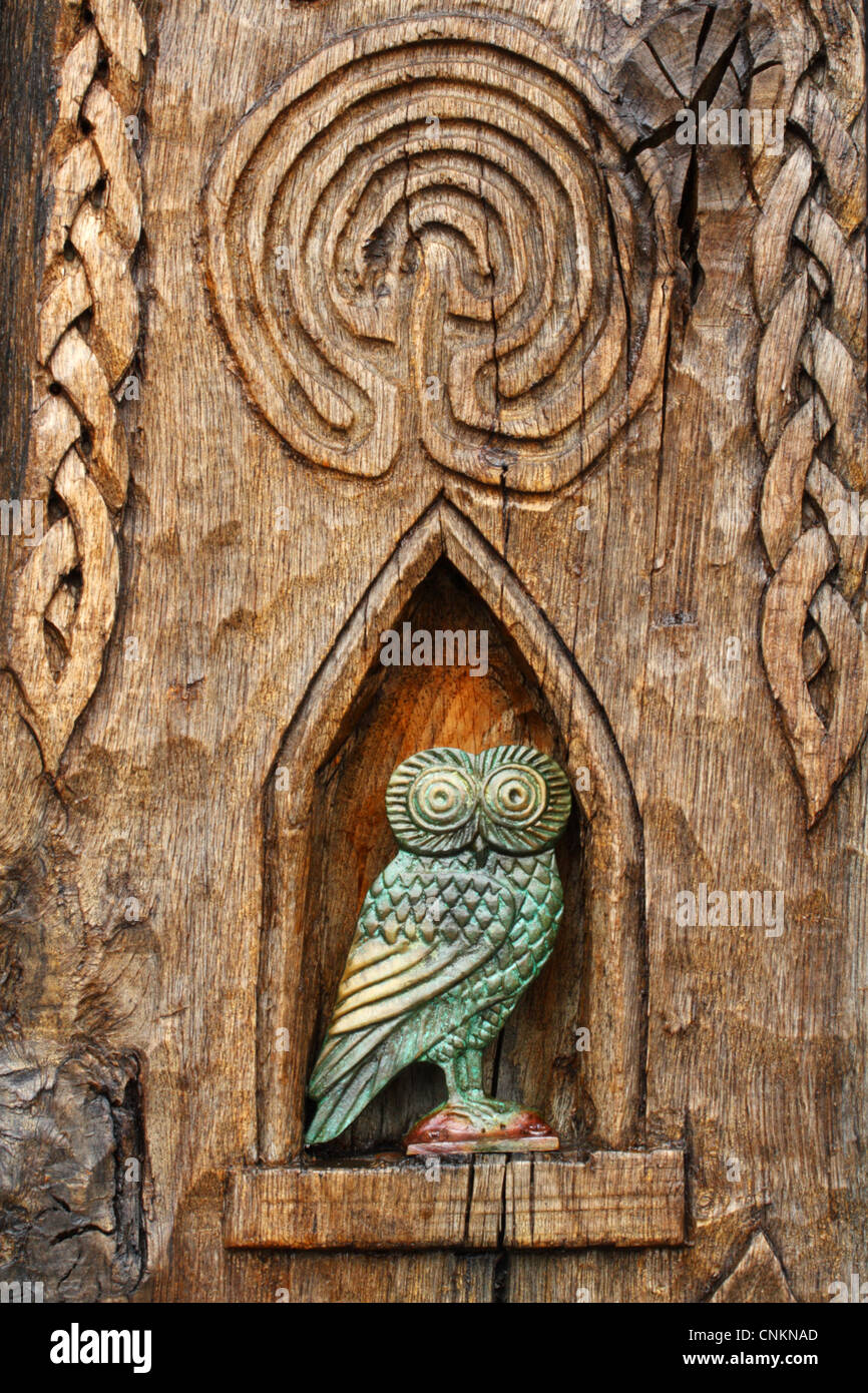 Carved owl in the witch post, Witchcraft Museum, Boscastle, North Cornwall, United Kingdom - Stock Image