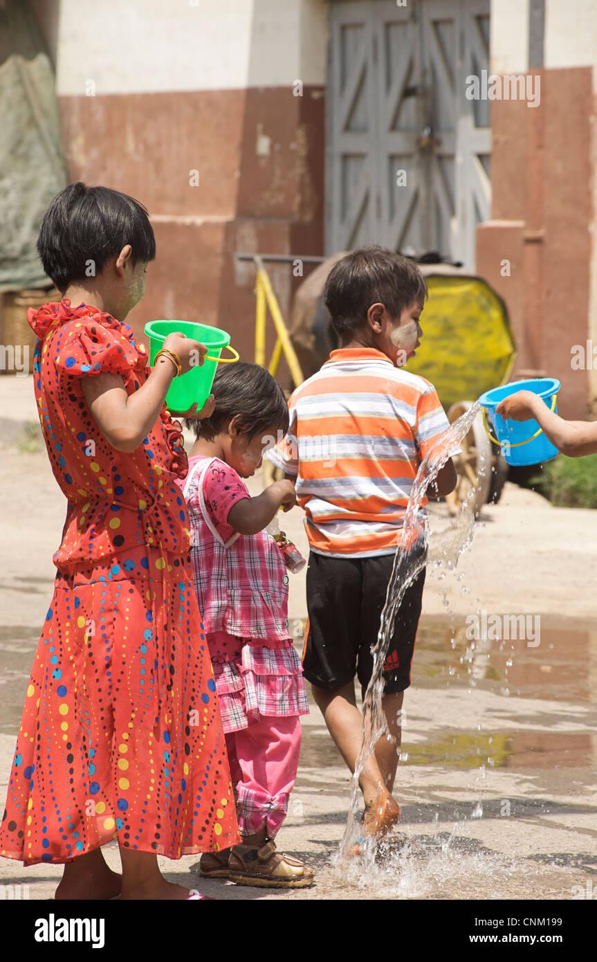 Burmese girls enjoying the water festival. Kalaw, Burma. Myanmar - Stock Image