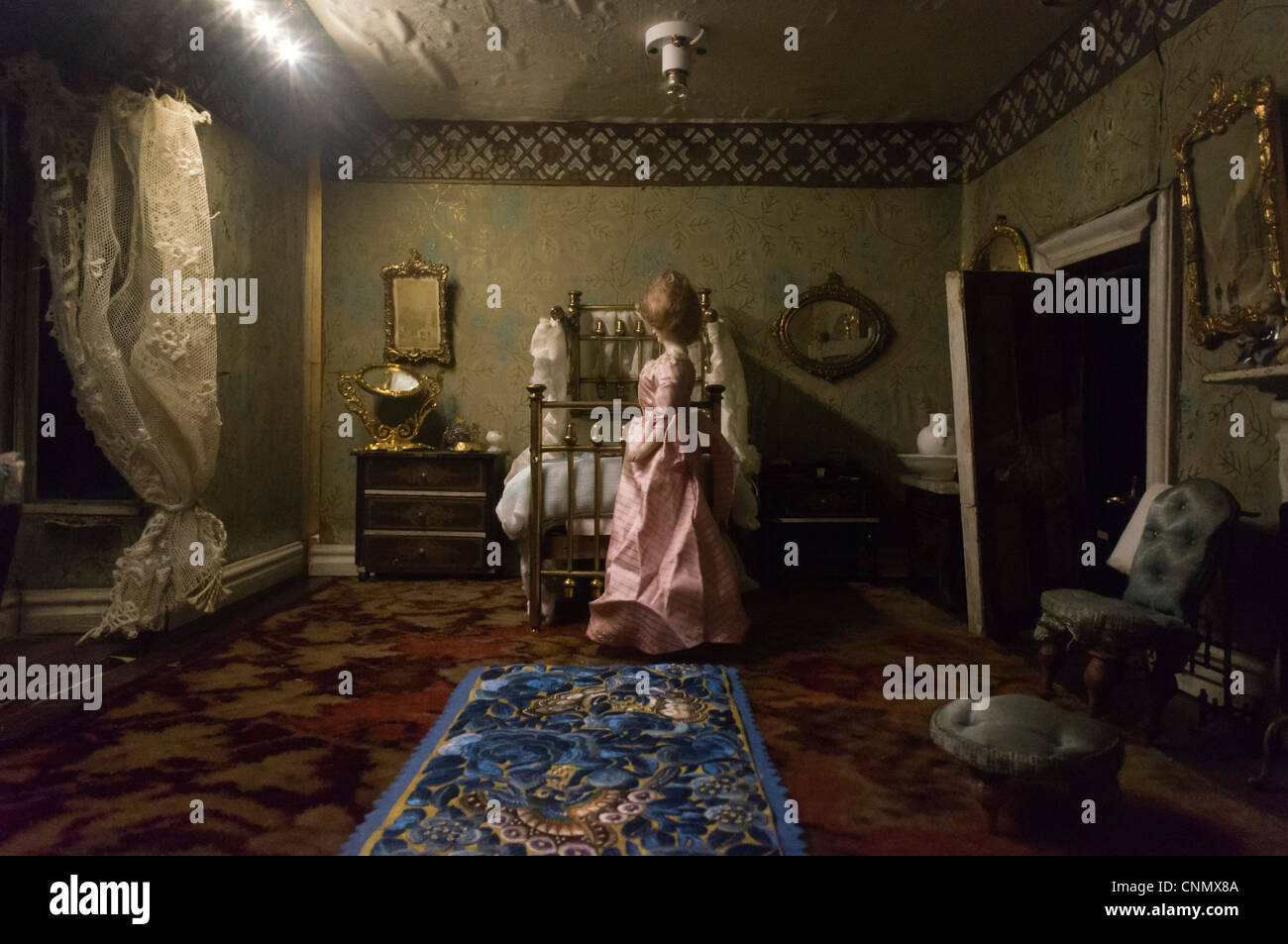 Victorian style old doll\u0027s house interior & Victorian style old doll\u0027s house interior Stock Photo: 47788170 - Alamy